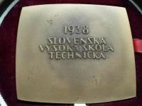 Medaila SVŠT kožená etue, sign. Snopek