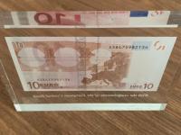 10€ darcek od ECB zavedenie eura na Slovensku.