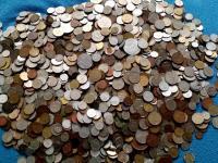 9, 5 kilogramov mincí....