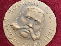 poprosím o ocenenie medailí